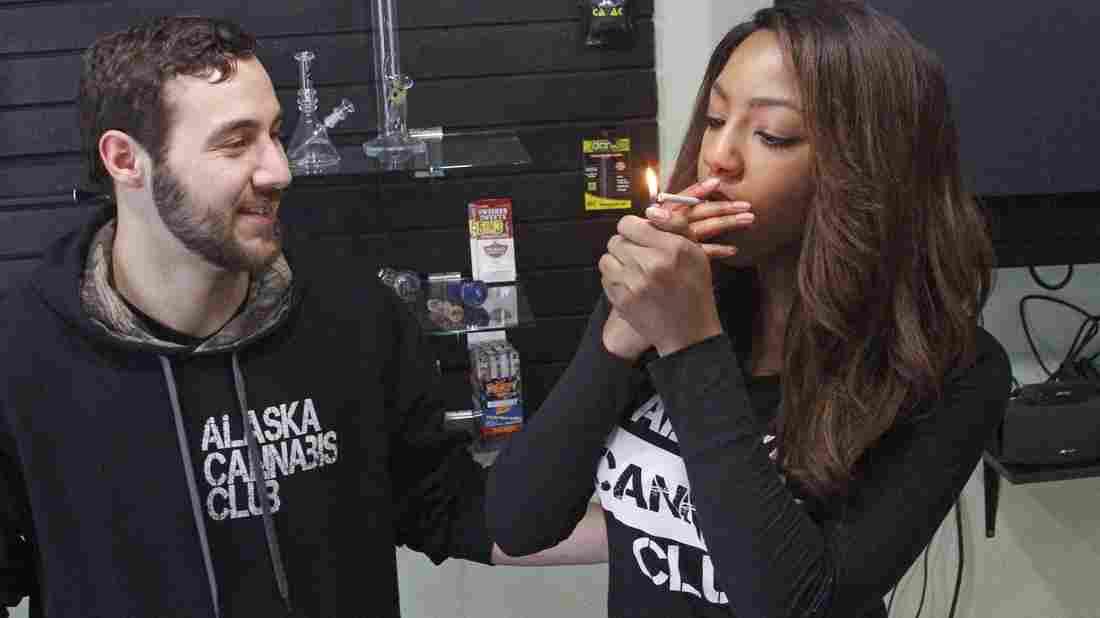Аляска стала третьим штатом США, который легализовал использование марихуаны в развлекательных целях