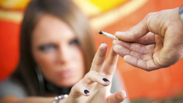 Что происходит с подростками, которые употребляют марихуану?