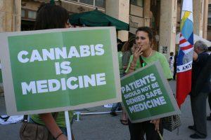 Мальта разрешила врачам назначать экстракты конопли