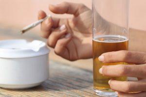 Ученые выяснили, что марихуана защищает печень от алкоголя