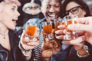 Почему не стоит сравнивать марихуану и алкоголь